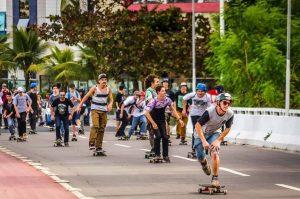 """""""Proibir nunca é a melhor saída"""": prática de skate nas praças de Balneário é alvo de debate"""