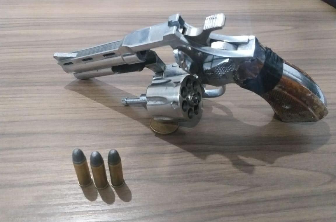 Operação Adsumus: Homem é preso com revólver no Monte Alegre - Camboriú News