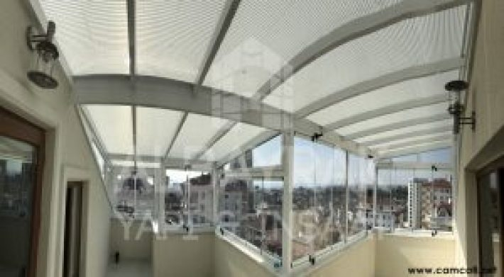 acilir cam cati 3 300x165 - Açılır Cam Çatı