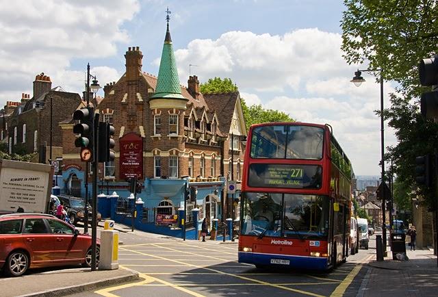 Bus Highgate village