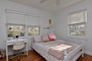 750 Magnolia St view of bedroom