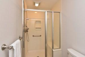 360 Stanaford, master bath