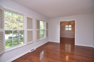 360 Stanaford, living room