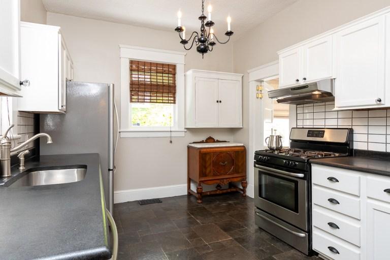 722 Walnut St, kitchen