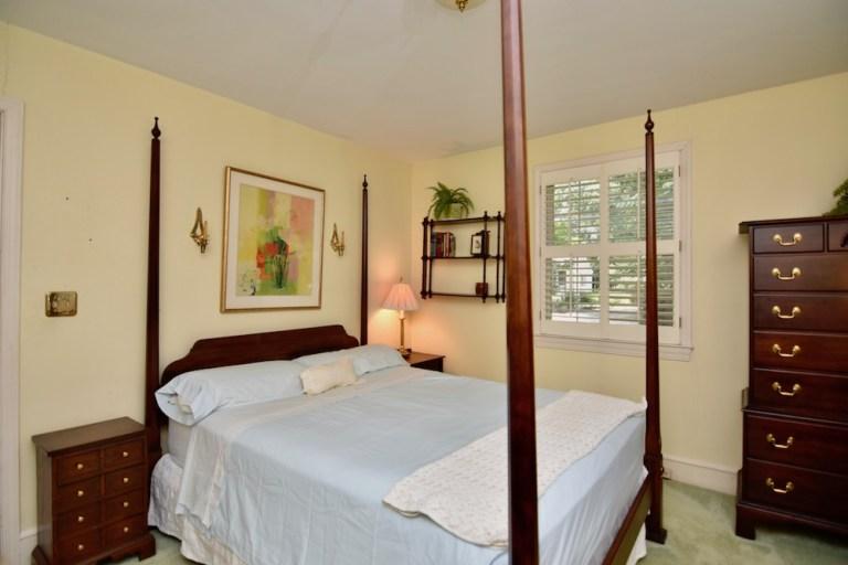 933 Kearns Ave, Buena Vista, WS primary bedroom
