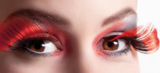 faux-cils rouge et noir