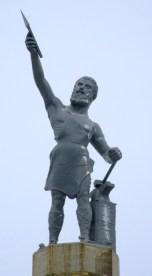 Vulcan_statue_Birmingham_AL_2008_snow_retouched