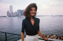 jackie-kennedy-onassis-in-the-1970s-black-blouse