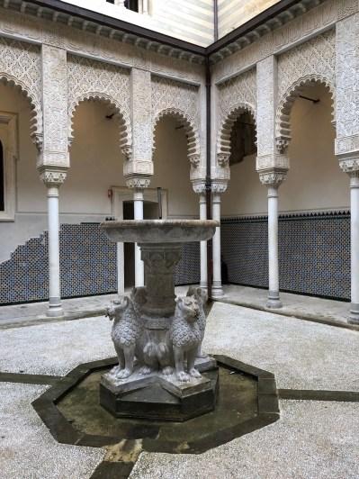 Courtyard at Racchetta Mattei based on the Alhambra