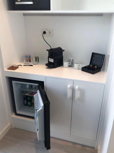 Nespresso machine & minibar