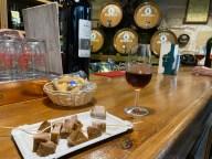 Oloroso sherry & chicharrones - Tabanco Plateros
