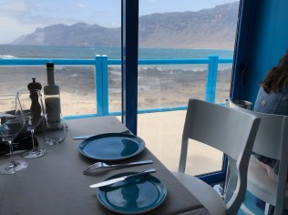 Restaurante El Risco, table with a view