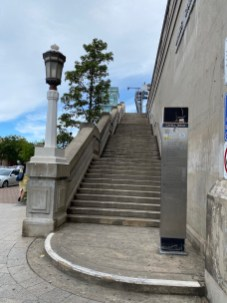 Steps at Milsons Point to Cahill Walk over the bridge