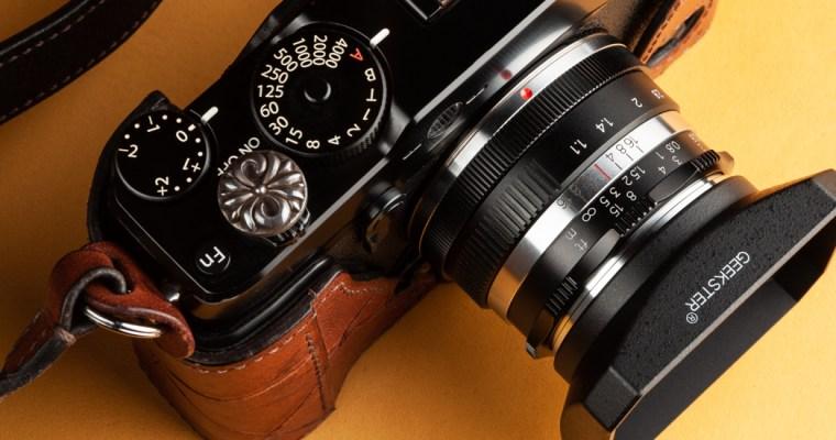 Geekster 35S 35mm F1.1 <br>タイから届いたAPS-C用大口径レンズ