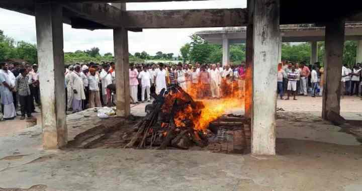 बाॅलीवुड एक्टर महेश राज पांडे का मैहर में हुआ अंतिम संस्कार