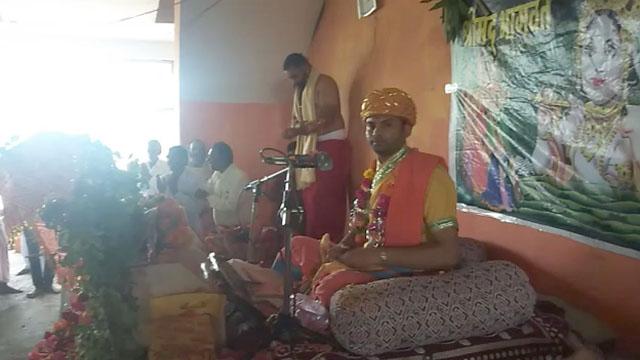 श्रीमद् भागवत कथा के दौरान कृष्णजन्म और बाल लीलाओं का वर्णन हुआ