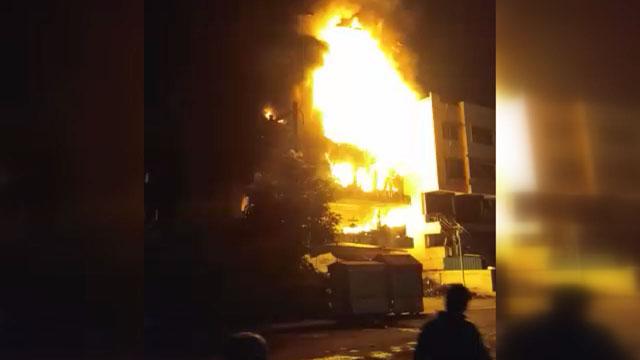बुरहानपुर के पाकिजा मॉल में लगी भीषण आग