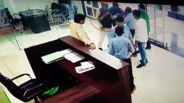 सांसद नंदकुमार चौहान की गुंडई सीसीटवी कैमरे में कैद