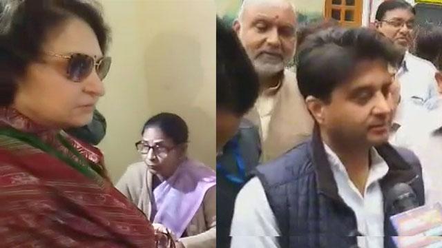 ग्वालियर में ज्योतिरादित्य सिंधिया और माया सिंह ने किया मतदान