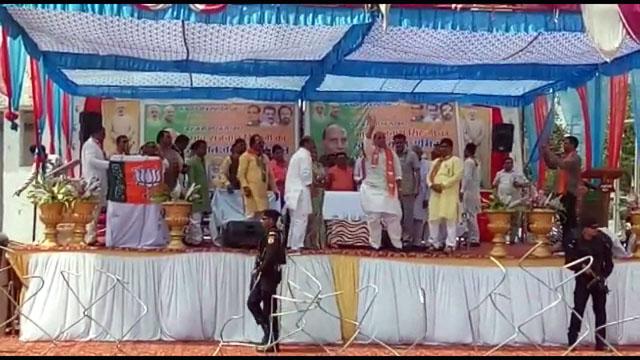 गृह मंत्री राजनाथ सिंह ने हिमाद्री सिंह के सामर्थन में की जनसभा