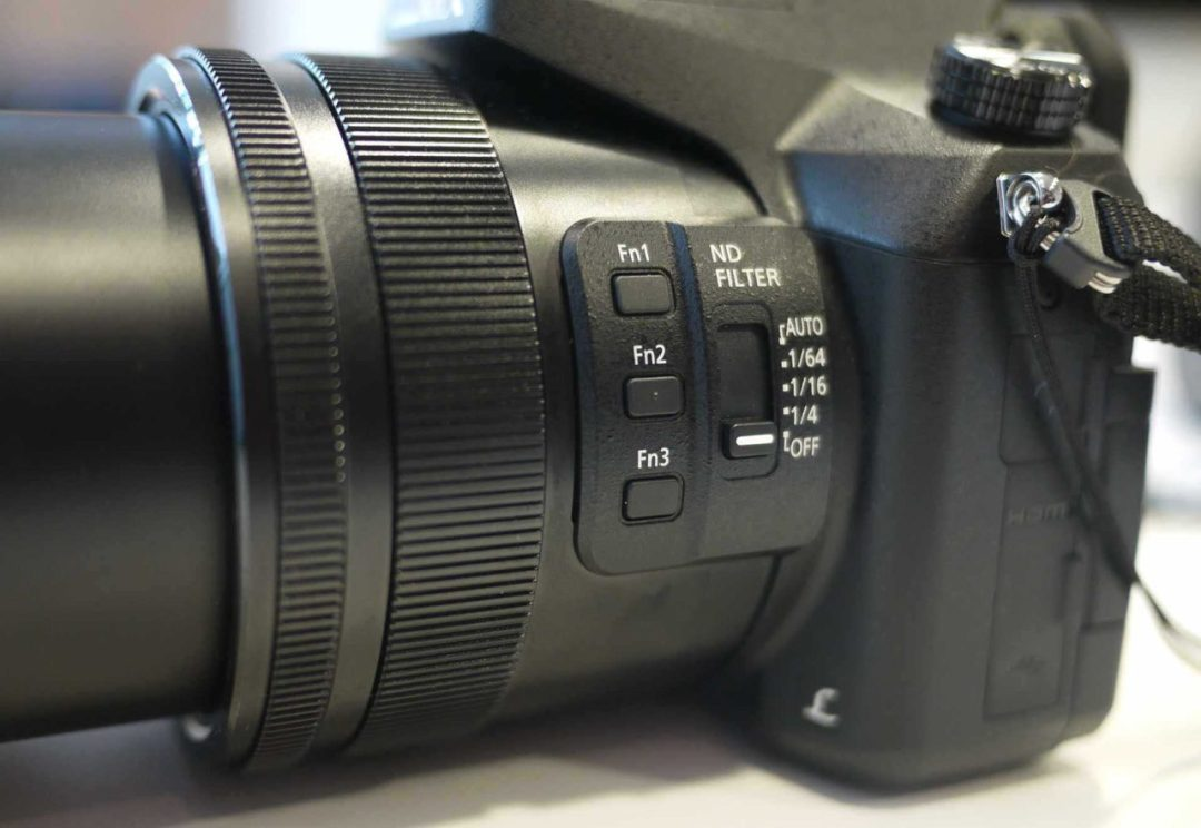 Hands-on Panasonic FZ2000 Review: Build quality