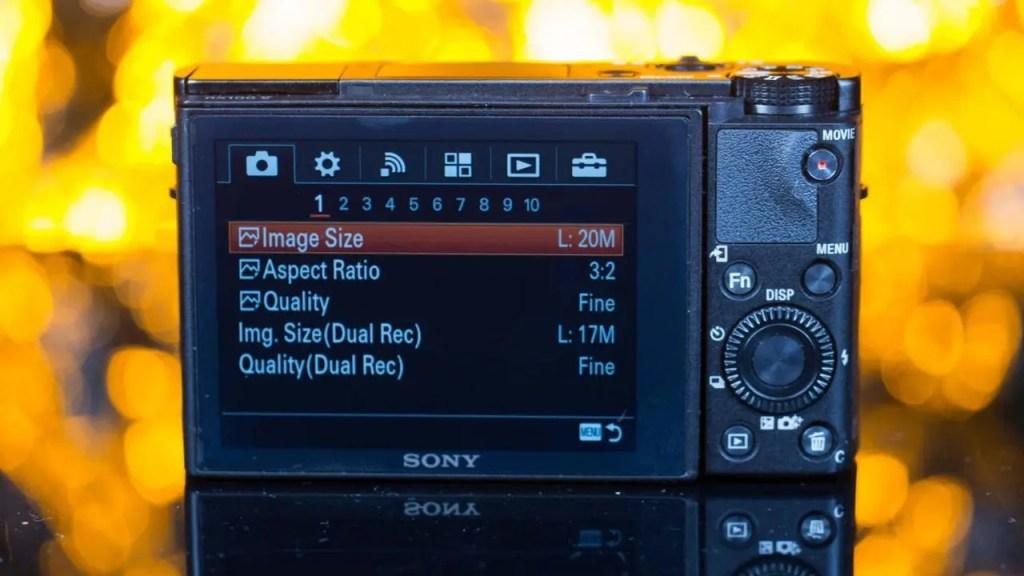 Sony RHands-on Sony RX100 V review: PerformanceX100 V