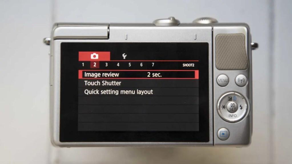 Canon EOS M100 review rear screen