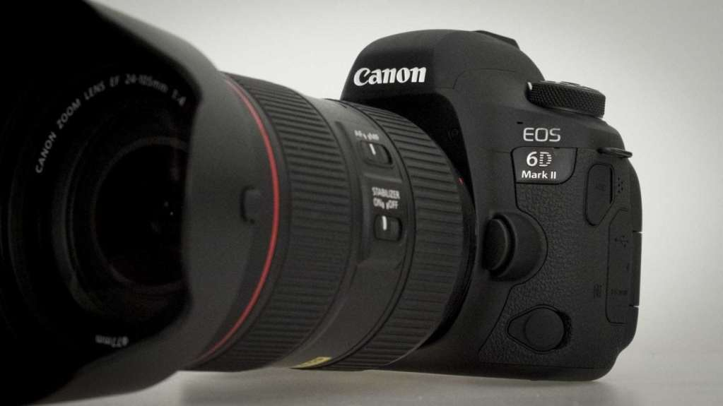Canon EOS 6D Mark II Review: Front