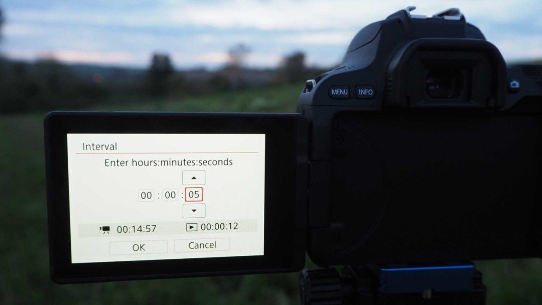 How to set up a timelapse on the Canon EOS 200D / Rebel SL2: set the interval