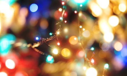 7 quick tips for photographing holiday lights at home