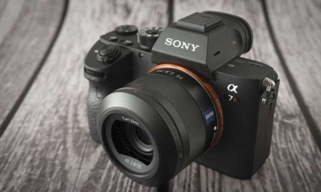 Sony number 1 in the US full frame camera market