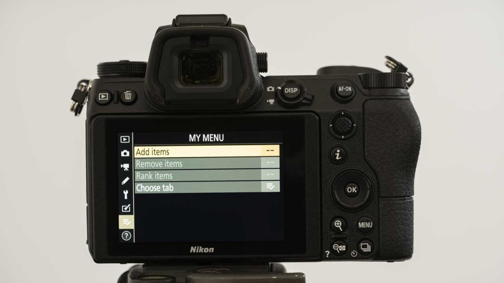 How do you customise the Nikon Z 6 and Z 7?
