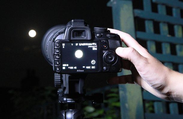по-прежнему на какой фотоаппарат можно сфотографировать луну полоски ранее