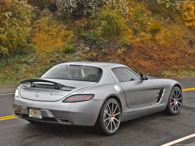 Top-10-Supercars-2013-4
