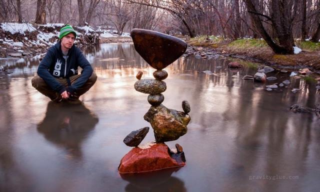 Медитирующие камни Майкла Грэба бросают вызов законам физики