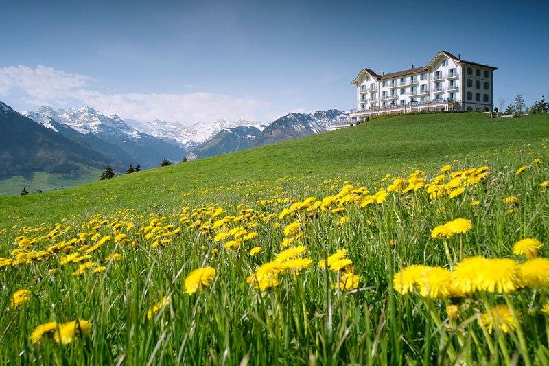 Otel v shveytsarskih Alpah 2