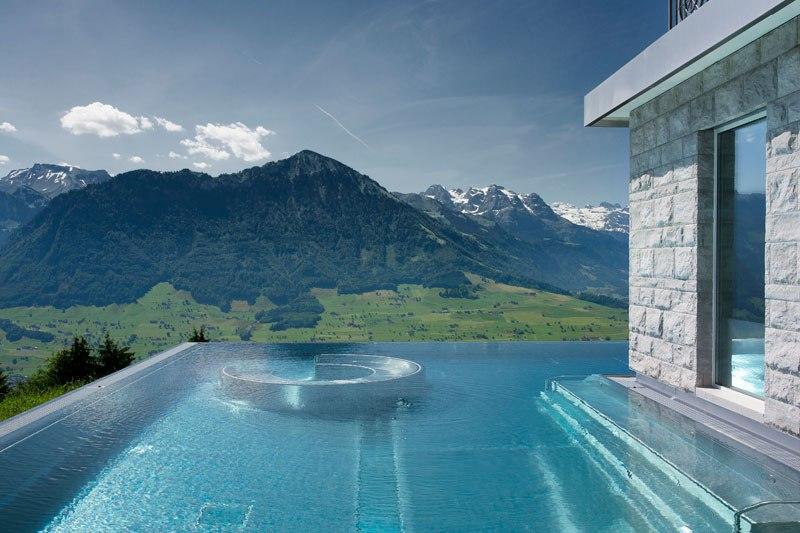 Otel v shveytsarskih Alpah 7