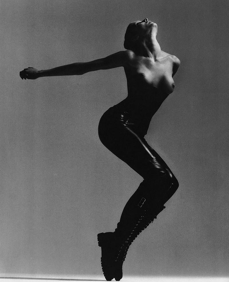 Стефани Сеймур в фотосерии Ричарда Аведона «La Passante Du Siecle» 17