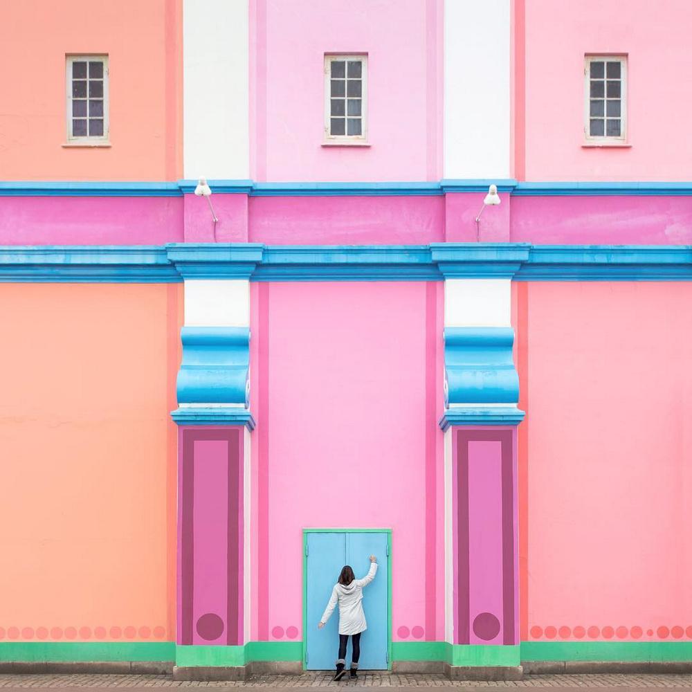 Дуэт фотографов путешествует по миру и снимает креативные архитектурные портреты  27
