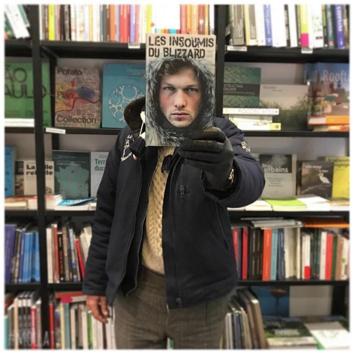 Book-Face-kreativnye-snimki-s-oblozhkami-knig 9