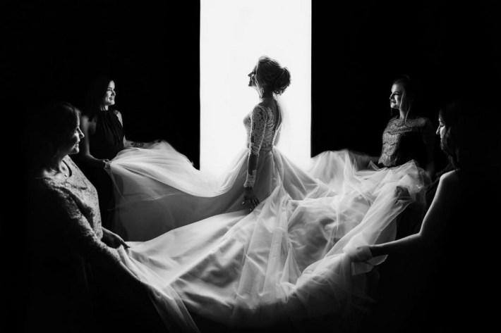 Фотографии с чувствами от призёров конкурса «Международный свадебный фотограф года» 5