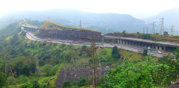 View of Mumbai Pune Expressway from tiger point