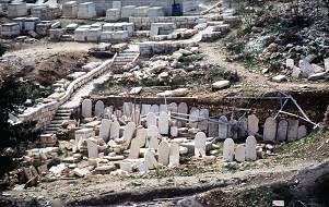Jewish graves abandoned next to the old city of Jerusalem, photo by Lorelle VanFossen
