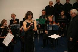 Prekrasno skladbo More je z nami odlično odpela Jasmina Antonič-Babnik, dr. med.