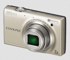 Nikon CoolPix S6100 Manual - camera front side