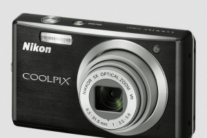 Nikon CoolPix S560 Manual - camera front side