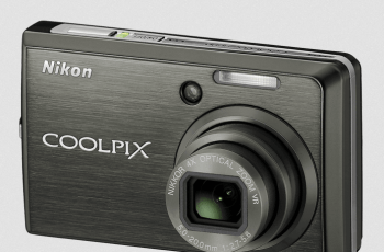 Nikon CoolPix S600 Manual - camera front side