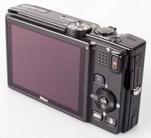 Nikon CoolPix S8200 Manual - camera back side