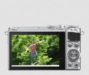 Nikon 1 J5 Manual - camera back side