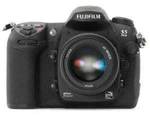Fujifilm FinePix S5 Pro Manual - camera front side